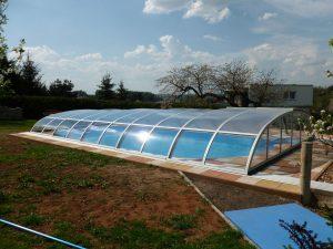 Bazénové zastřešení Relax v zahradě