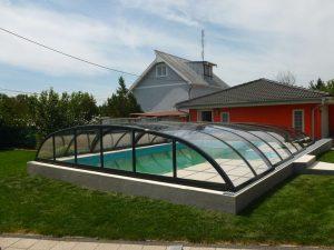 bazénové zastřešení Relax v tmavém provedení na podezdívce, Senica