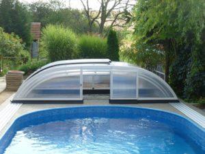 Zastřešení bazénu Relax odsunuté