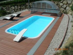 bazén s přelivem deluxe