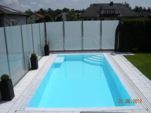 bazén s přelivem